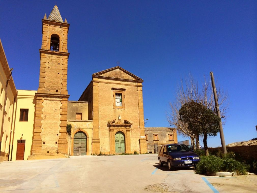 Chiese di Piazza Armerina Enna Sicilia chiuse al culto