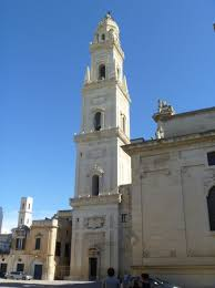 Glockenturm von Santa Maria Assunta in Lecce