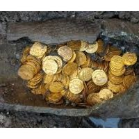 Discoveries in Como three hundred Roman coins